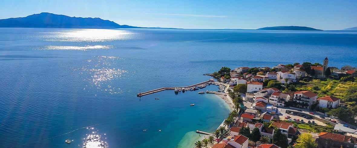 Chorvatsko - Gradac - pohled z dronu