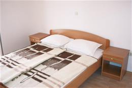 Vila JURE_třílůžkový pokoj s možností přistýlky