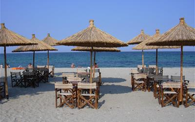 Leptokaria - pláž se slunečníky.JPG